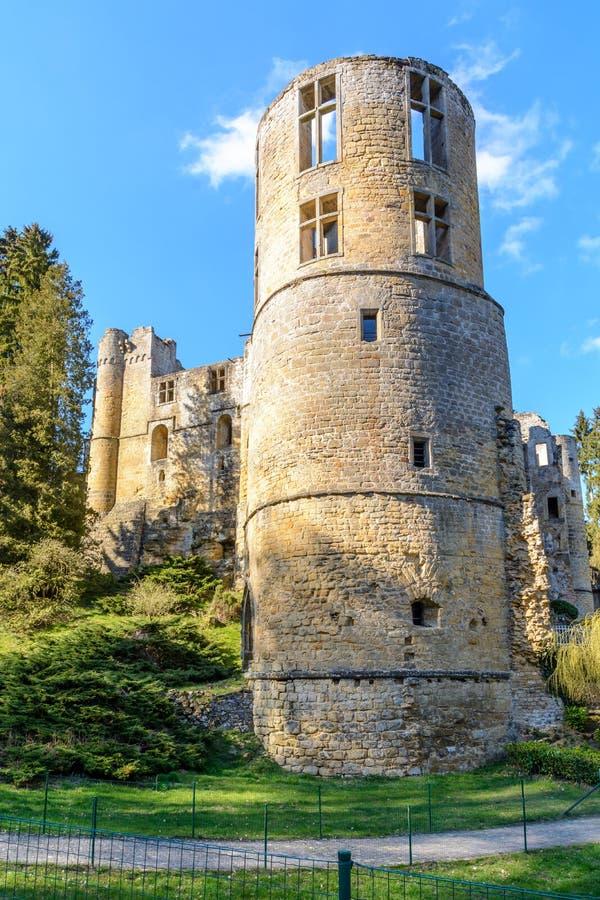 Stary zamek w Beaufort w Luksemburgu zdjęcia stock