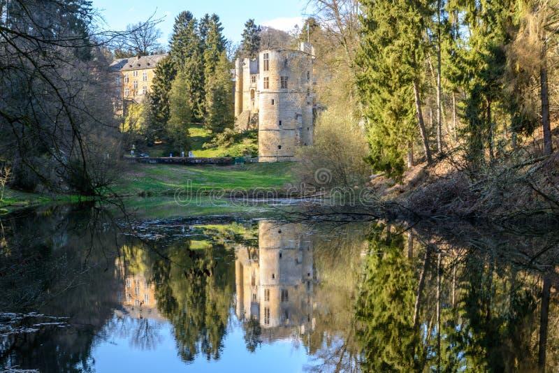 Stary zamek w Beaufort w Luksemburgu fotografia stock