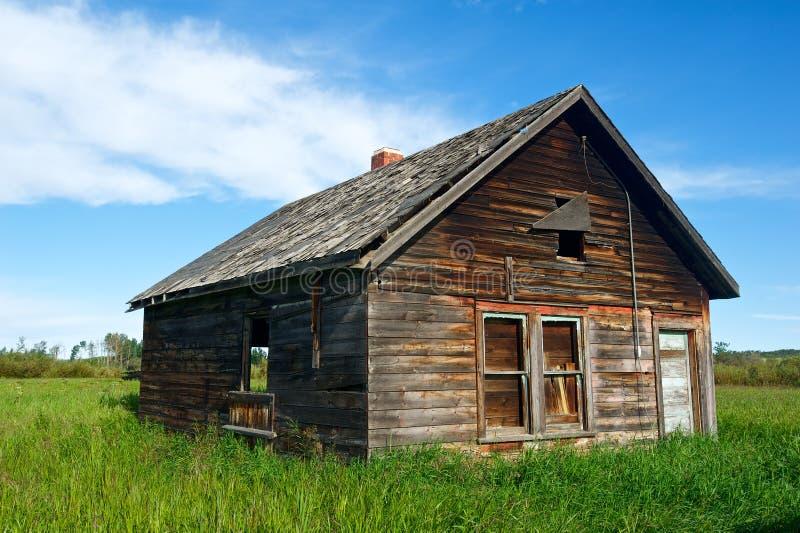 Stary zaniechany domu zakończenia widok zdjęcie stock