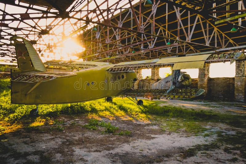 Stary zaniechany samolot obraz royalty free