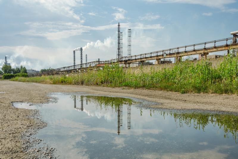 Stary zanieczyszczanie rośliny przemysł ecologically obrazy royalty free