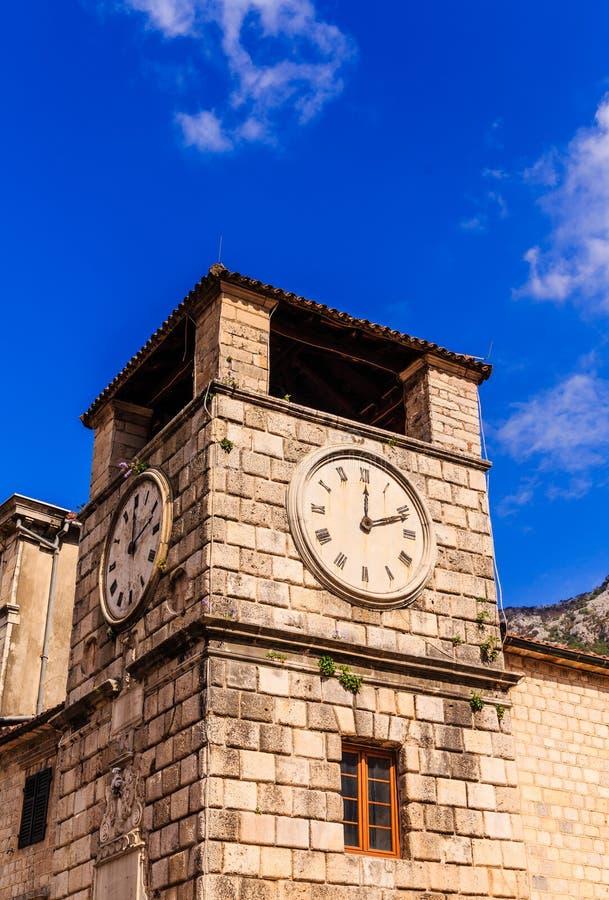 Stary zegarowy wierza w Kotor zdjęcie stock