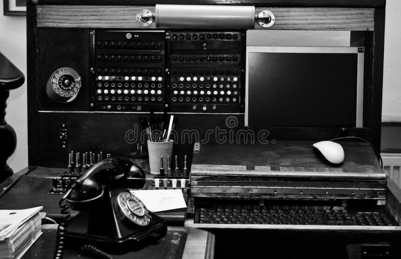Stary zmodernizowany switchboard   obraz stock