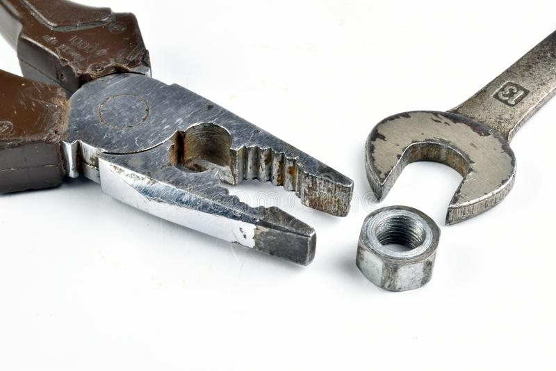 Starych narzędzi ośniedziali cążki, wyrwanie i rygle, obraz royalty free