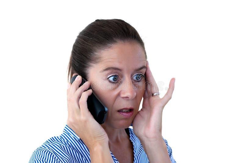 starzejąca się biznesowy przyglądający środek szokująca kobieta zdjęcia stock