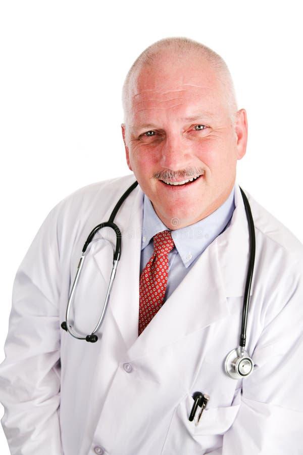 starzejący się doktorski środkowy portret zdjęcia stock
