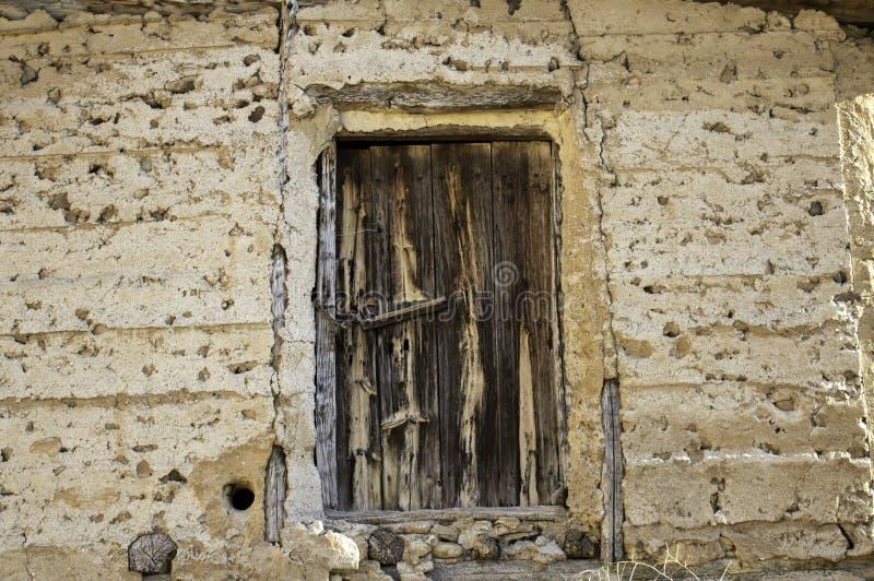 Starzejący się kędziorka drzwi obrazy royalty free