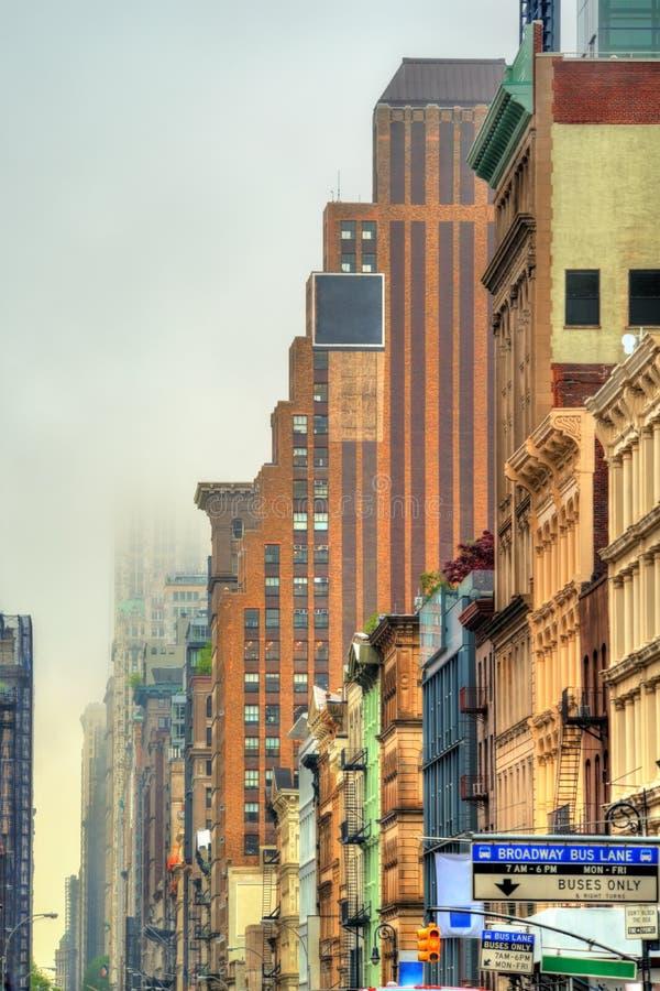 Starzy budynki na Broadway w Miasto Nowy Jork zdjęcia royalty free