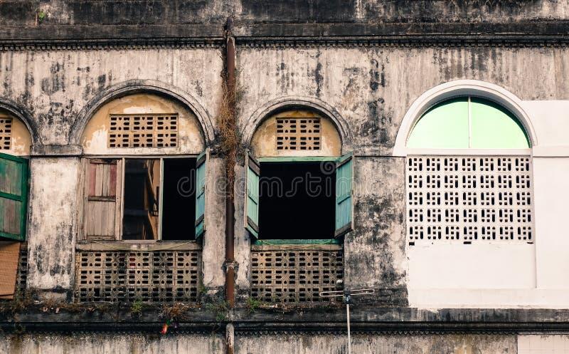 Starzy budynki w Yangon, Myanmar zdjęcia royalty free