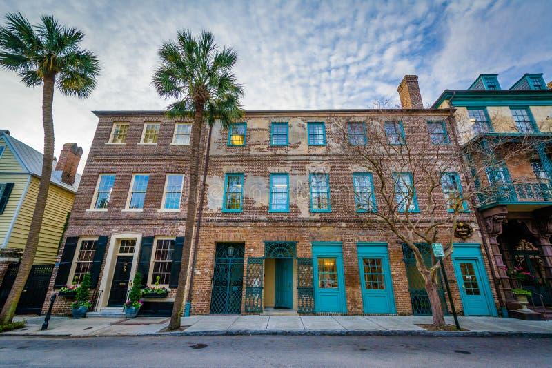 Starzy ceglani domy w Charleston, Południowa Karolina fotografia stock