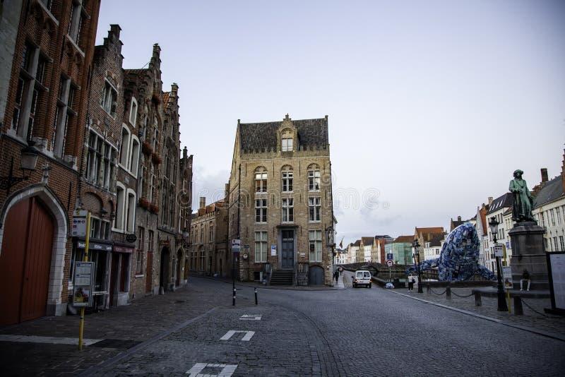 Starzy domy Bruges, szczegół średniowieczny miasto zdjęcie royalty free