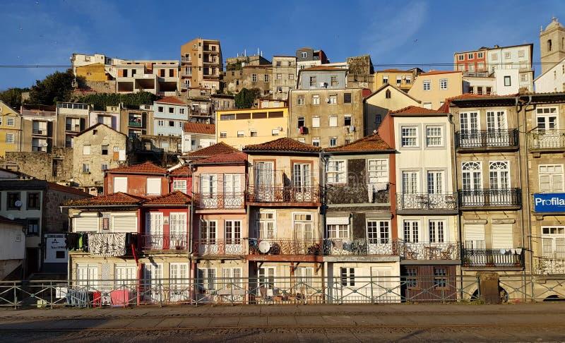 Starzy domy wzdłuż Douro rzeki zdjęcia royalty free