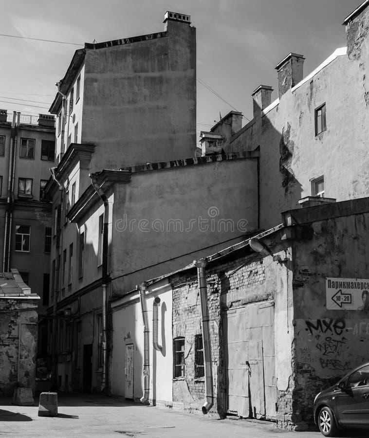 Starzy domy z zaporami zdjęcie stock
