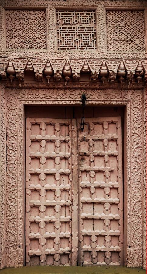 Starzy drewniani drzwi z teksturami fotografia royalty free