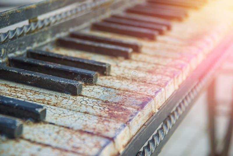 Starzy fortepianowi klucze, uroczysty pianino zdjęcia stock