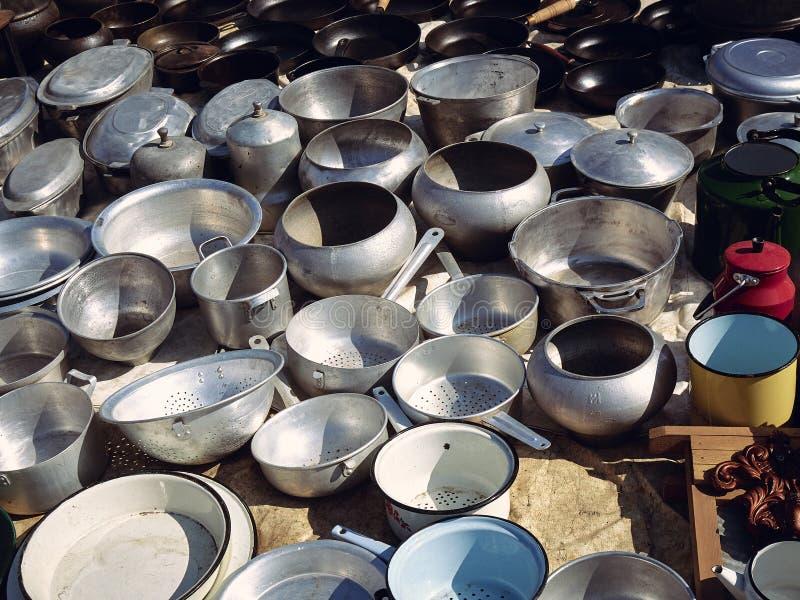 Starzy kuchenni metali naczynia obraz royalty free