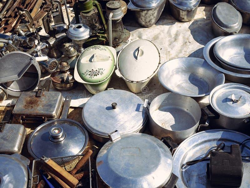 Starzy kuchenni metali naczynia fotografia royalty free