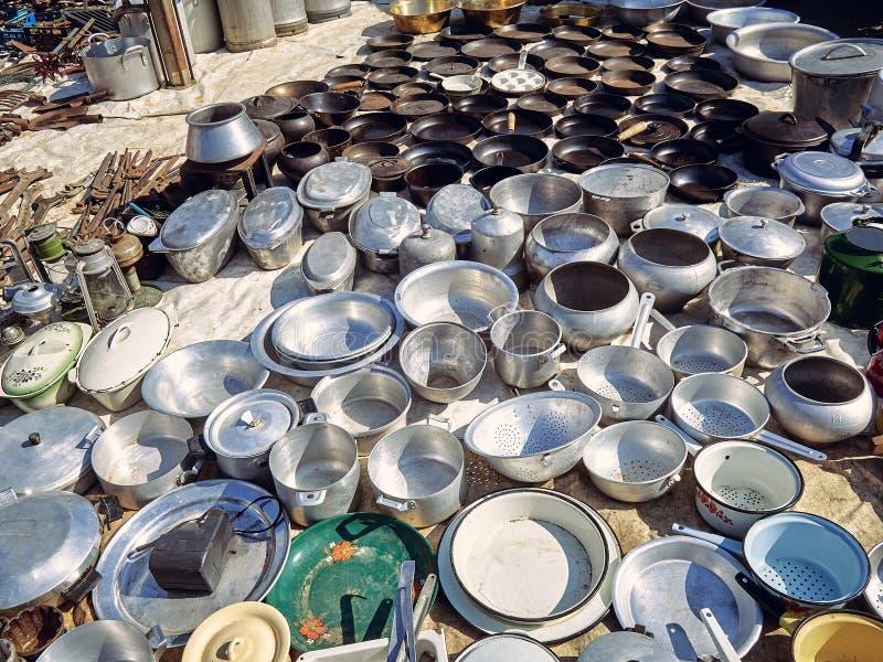 Starzy kuchenni metali naczynia zdjęcia stock