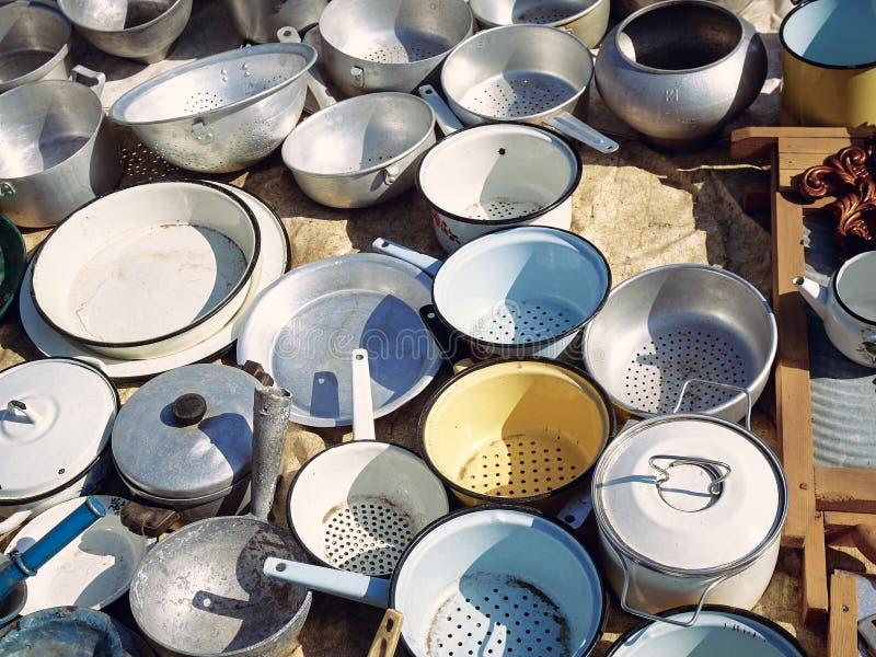 Starzy kuchenni metali naczynia zdjęcie royalty free