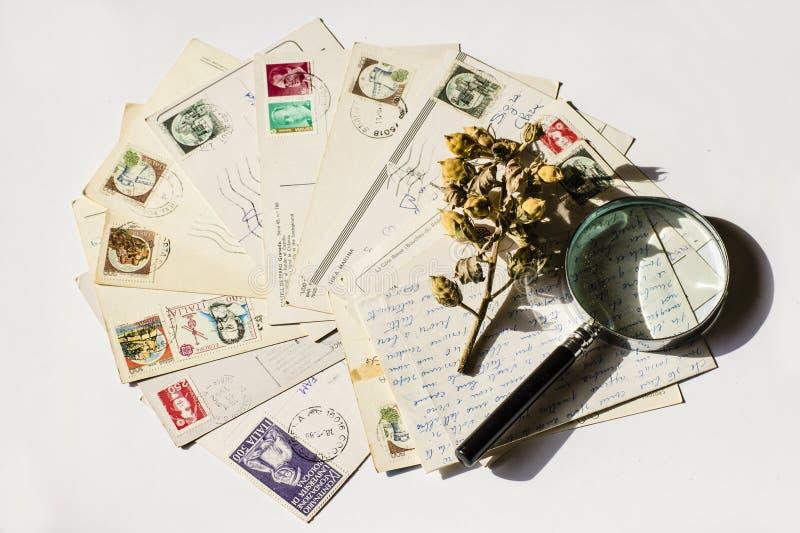 Starzy listy, francuskie pocztówki nostalgiczny rocznik obraz stock