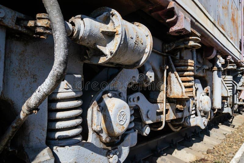 Starzy ośniedziali koła lokomotywa i elementy przejażdżka obraz stock