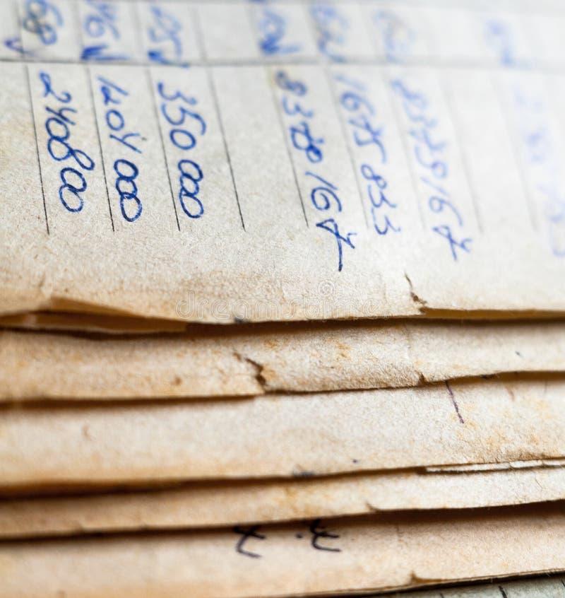 Starzy papierowi dokumenty w archiwum obraz stock