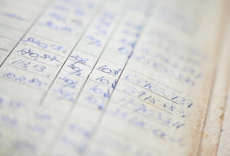 Starzy papierowi dokumenty w archiwum zdjęcia stock