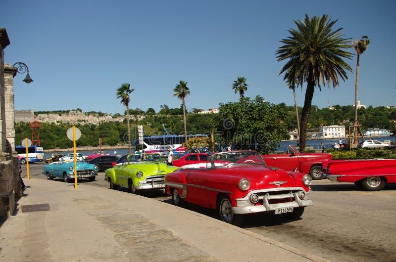 Starzy samochody w Hawańskim Kuba obraz stock