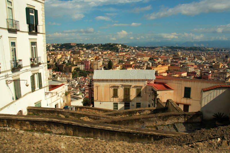 Download Starzy schodki w Naples obraz stock. Obraz złożonej z scena - 106921135
