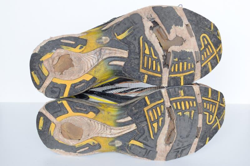 Starzy sportów buty, starzy jogging buty starzy sneakers, starzy bieg sporta buty, będący ubranym out bawją się buty, zdjęcie stock