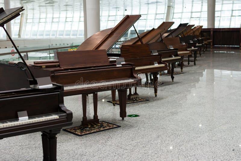 Starzy Uroczyści pianina powystawowi obrazy royalty free