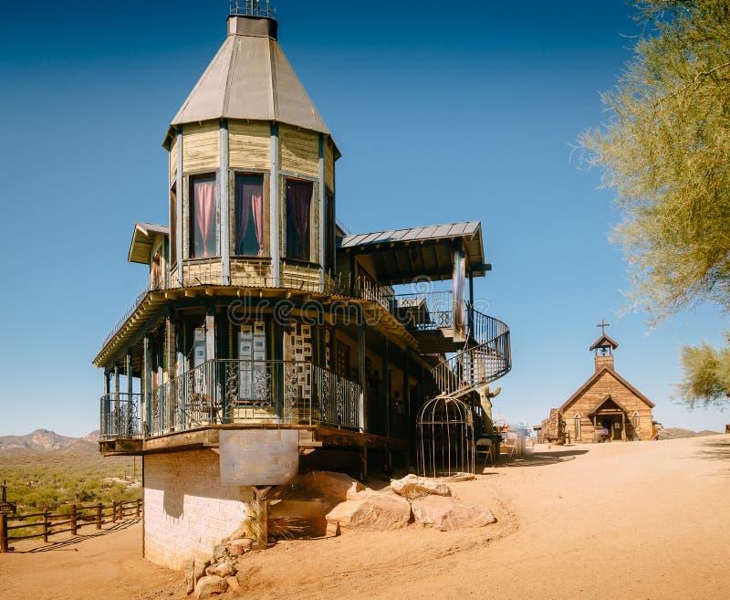 Starzy Zachodni Drewniani budynki w Goldfield kopalni z?otej miasto widmo w Youngsberg, Arizona, usa obrazy stock