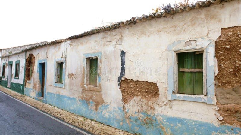 Starzy zaniechani domy w Portugalia fotografia royalty free