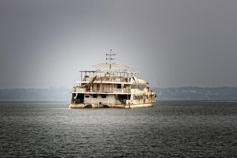 Statek-duch w Zatoce Arabskiej obrazy stock
