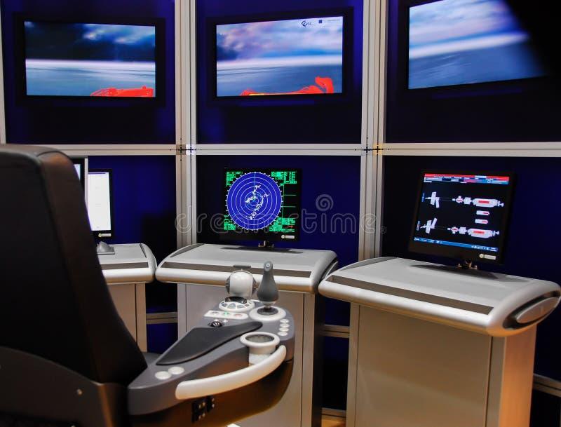 Statek nowożytna kontrolna konsola ekranizuje radar fotografia stock