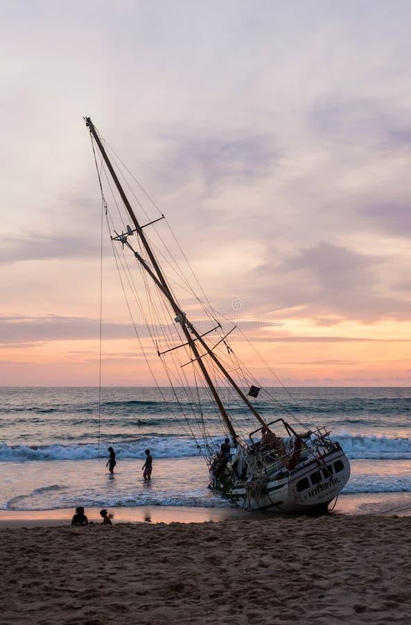 Statek strona, Seascape Podczas wschodu słońca obraz royalty free