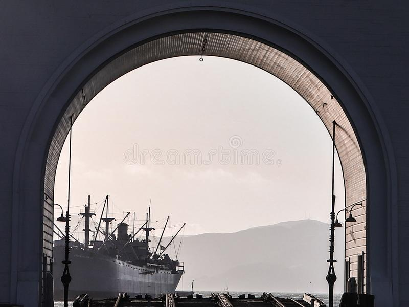Statek w San Fransisco schronieniu fotografia royalty free