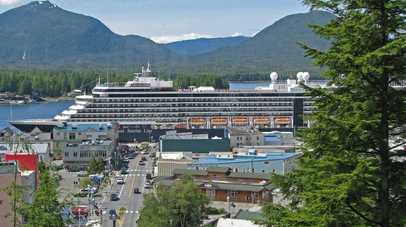 Statek Wycieczkowy przy dokiem w Ketchikan Alaska fotografia royalty free