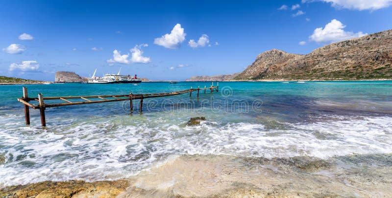 Statek wycieczkowy w Balos Crete, Grecja, - zdjęcia royalty free