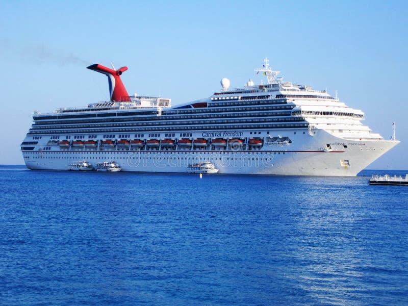 Statek wycieczkowy w morzu karaibskim obraz royalty free