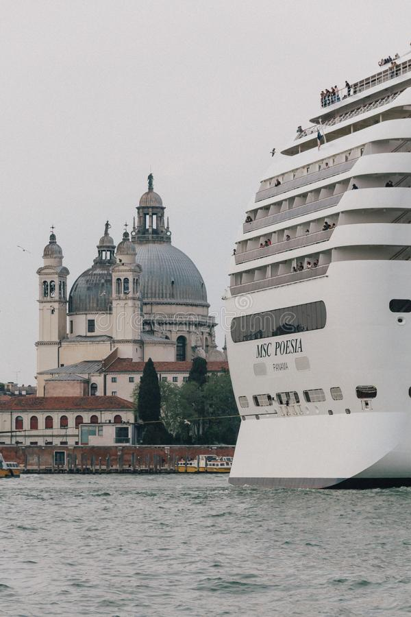 Statek wycieczkowy w Wenecja fotografia stock