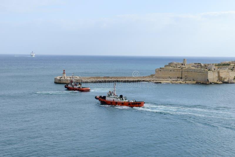 Statek wycieczkowy wchodzić do port los angeles Valletta na Malta obraz royalty free