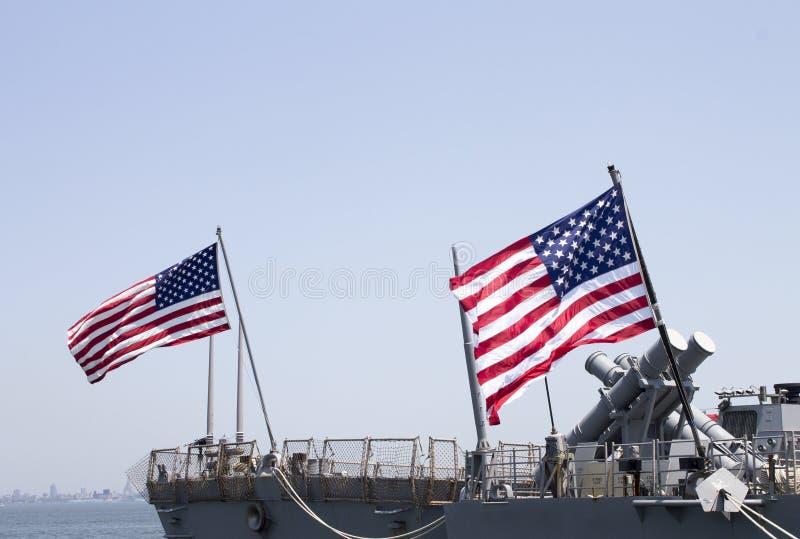 Harpoon kryssningsrobotlaunchers på däcket av kocken för US-marinjagaren UUS Donald under den hastiga veckan 2012 fotografering för bildbyråer
