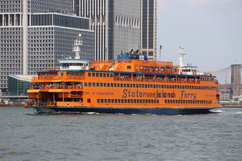 Staten Island Ferry in New- Yorkhafen stockfotos