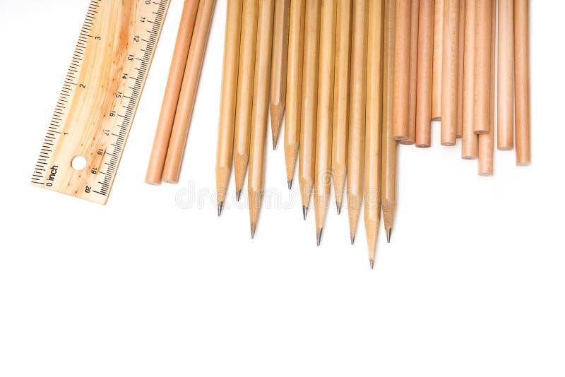 Stationär skola - blyertspenna, linjal arkivbild