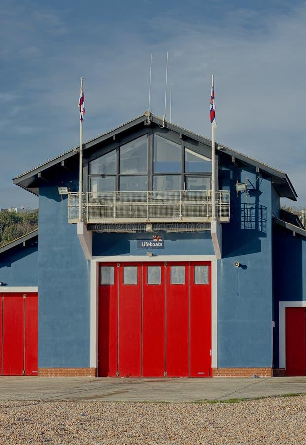 Station de canot de sauvetage de RNLI et centre de visiteur Hastings, R-U photographie stock libre de droits