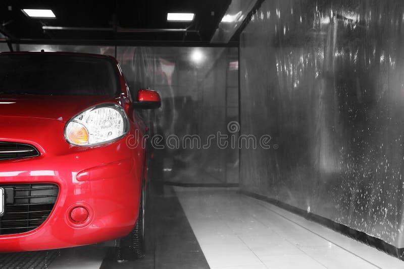 Station de lavage automatique rouge photographie stock