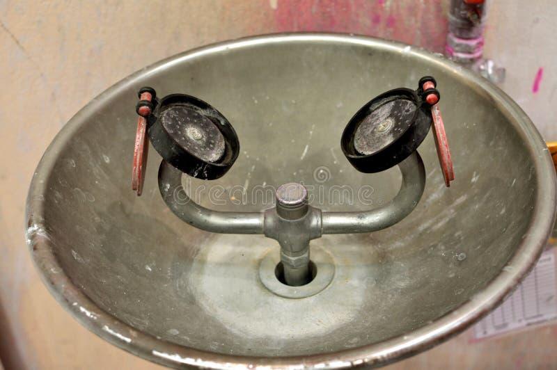 Station de lavage d'oeil photos stock