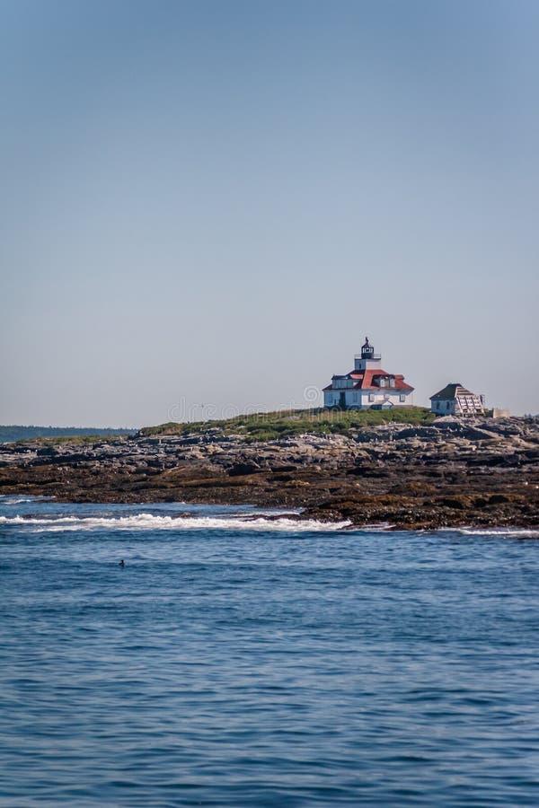 Station de lumière de roche d'oeufs - Maine images stock
