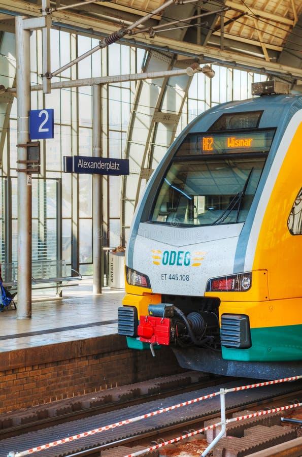 Station de métro d'Alexanderplatz à Berlin, Allemagne photos stock